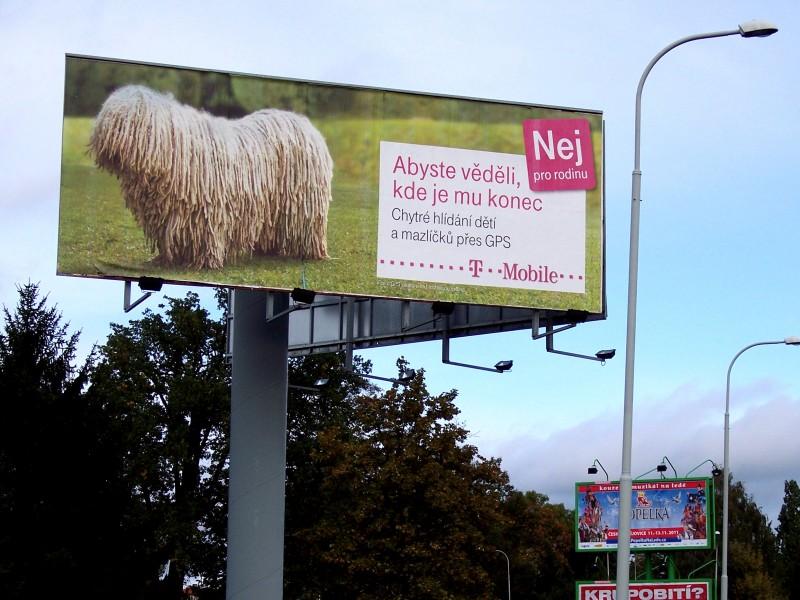 Billboard v Českých Budějovicích byl jedním z mnoha...