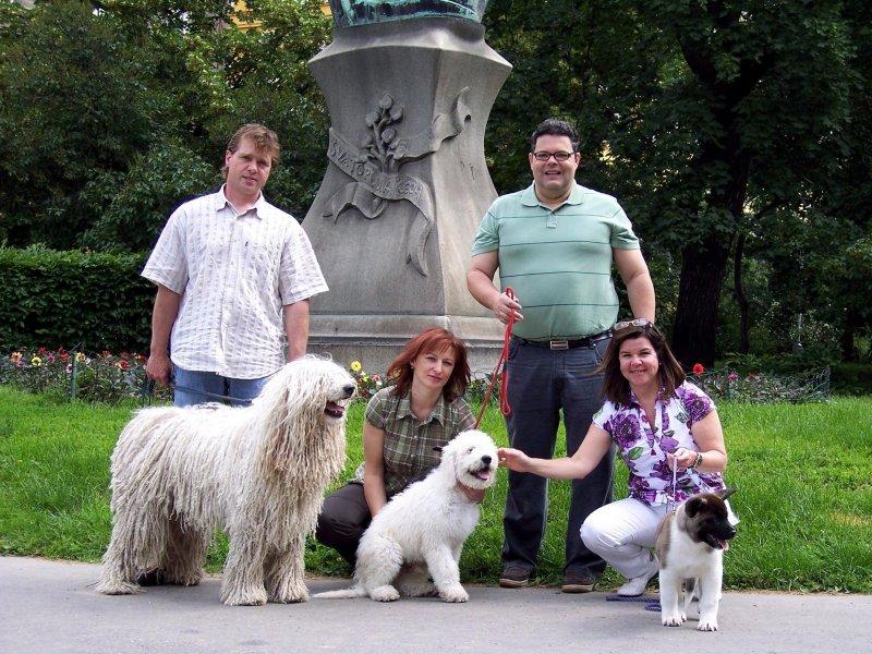 pan Marcelo Leca Fonseca s manželkou při návštěvě Prahy